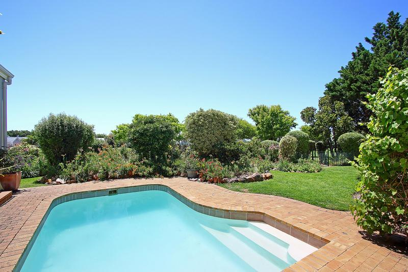 Property For Sale in Steenberg Golf Estate, Cape Town 16