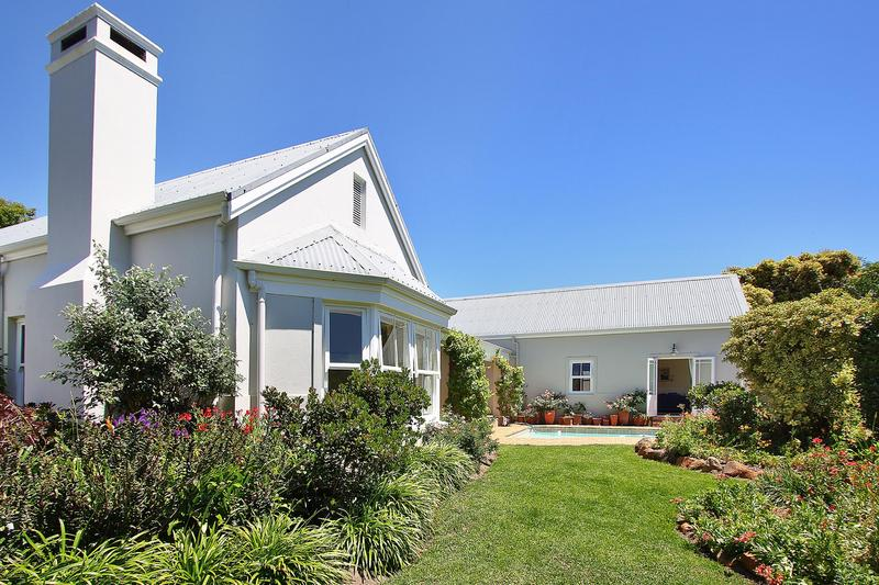Property For Sale in Steenberg Golf Estate, Cape Town 18