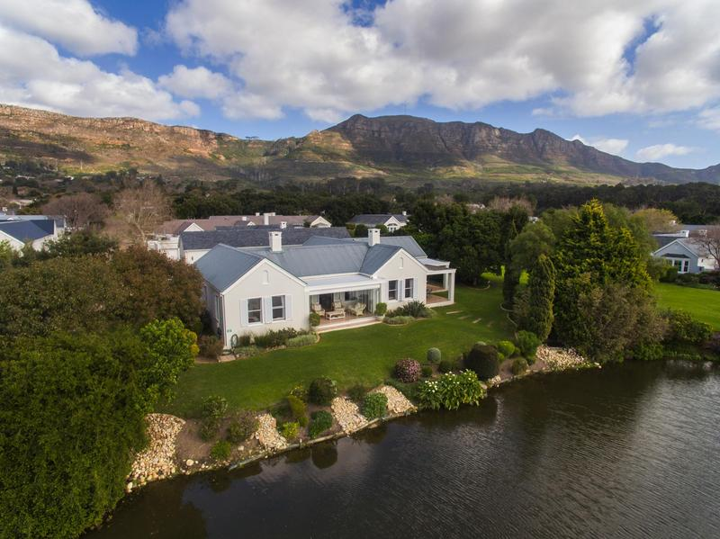 Property For Sale in Steenberg Golf Estate, Cape Town 4